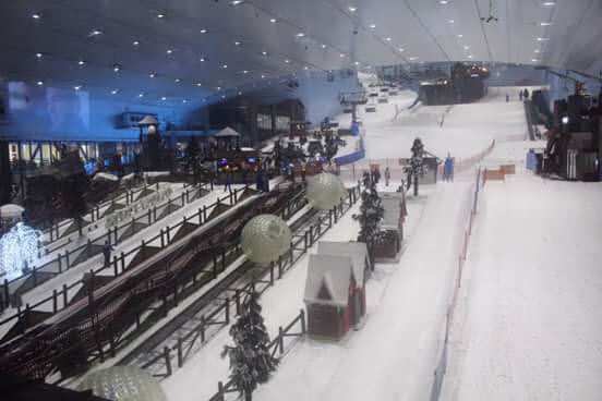 Indoor skiing in Dubai