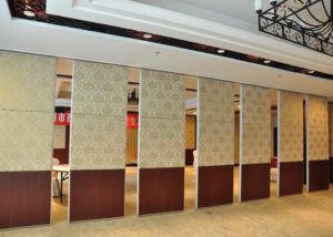 Conference room airwall repair conference room operable wall service conference room movable wall maintenance san antonio conference room wall partition accordion wall san marcos austin hufcor specialty building service kwik-wall