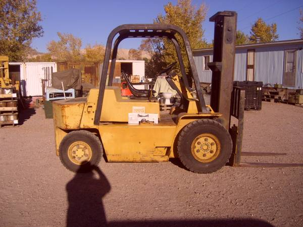 Caterpillar V80D Forklift (Beatty) $6000