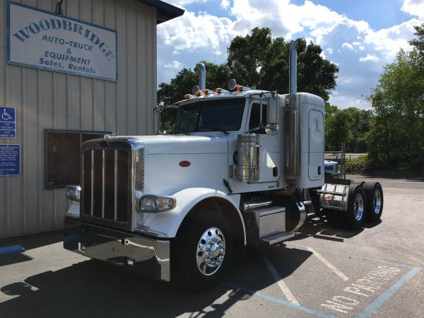 "Peterbilt 388 3 Axle Tractor 36"" Flat Top Sleeper Like New 1 owner (woodbridge)"