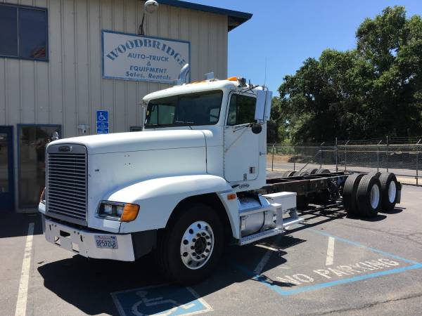 Freightliner FLD 120 3 Axle Day Cab And Chassis PTO Pump Double Frame (woodbridge) $12500