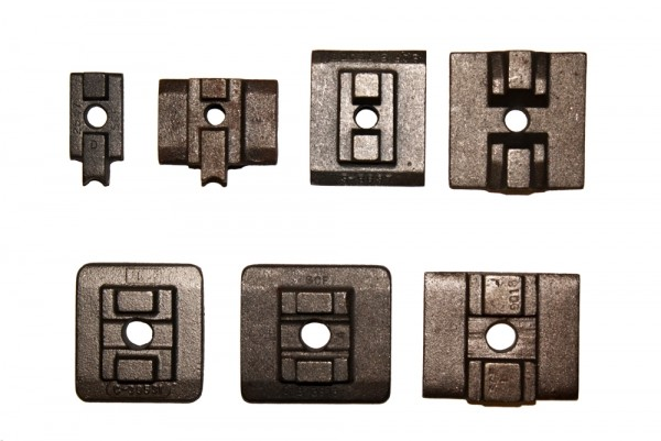 Cast iron top plates for slider chains