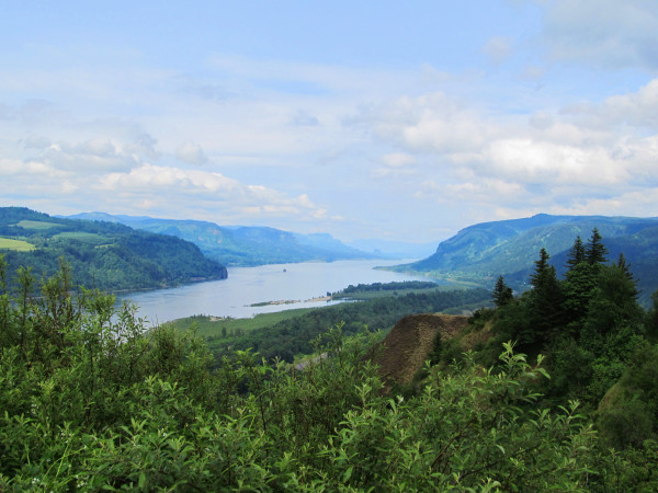 Friends of the Columbia Gorge Launches the 35 & Gorgeous Hike Challenge
