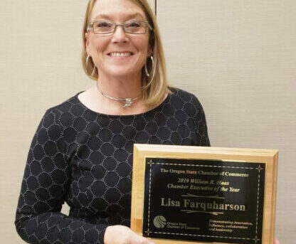 Lisa Farquarson Receives Chamber Director of the Year Award