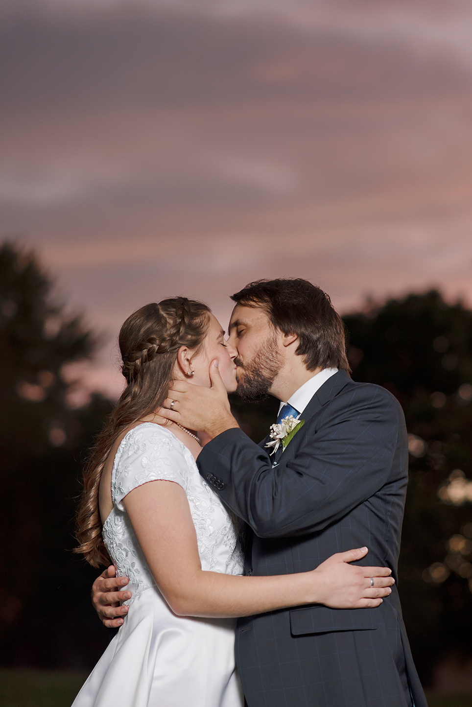 LINDSAY-ADKINS-PHOTOGRAPHY-MICHIGAN-WEDDING-PHOTOGRAPHER-ADRIAN-COLLEGE-WEDDING