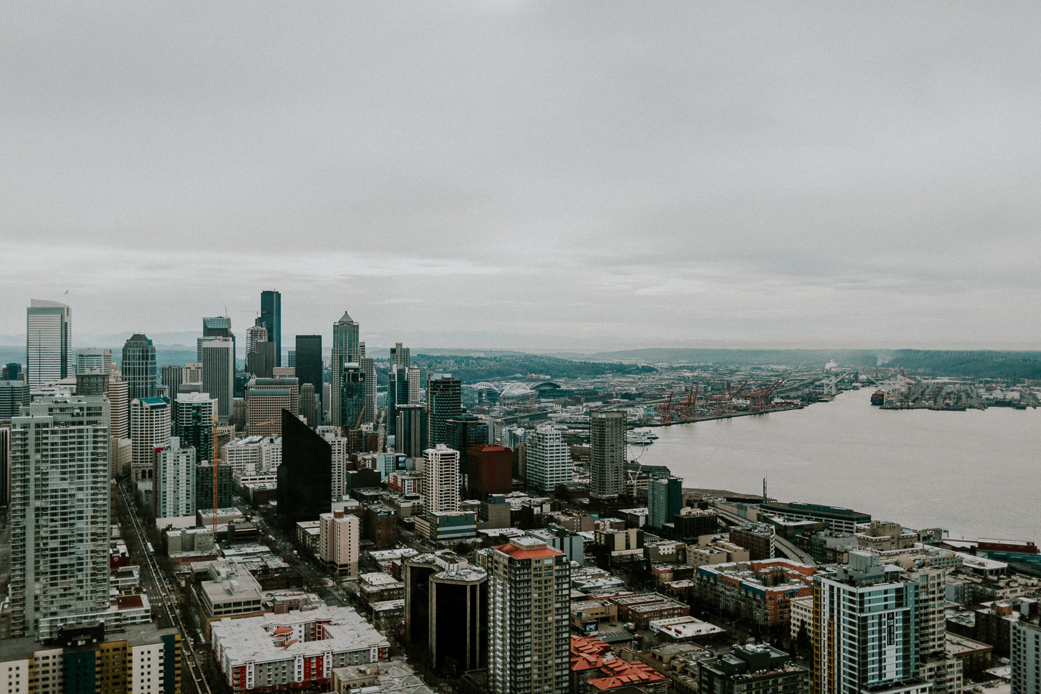 Image of Seattle downtown next to Lake Union