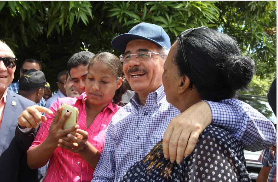 Más calidad de vida para gente de Palmar de Ocoa: Danilo Medina reactivará actividades productivas