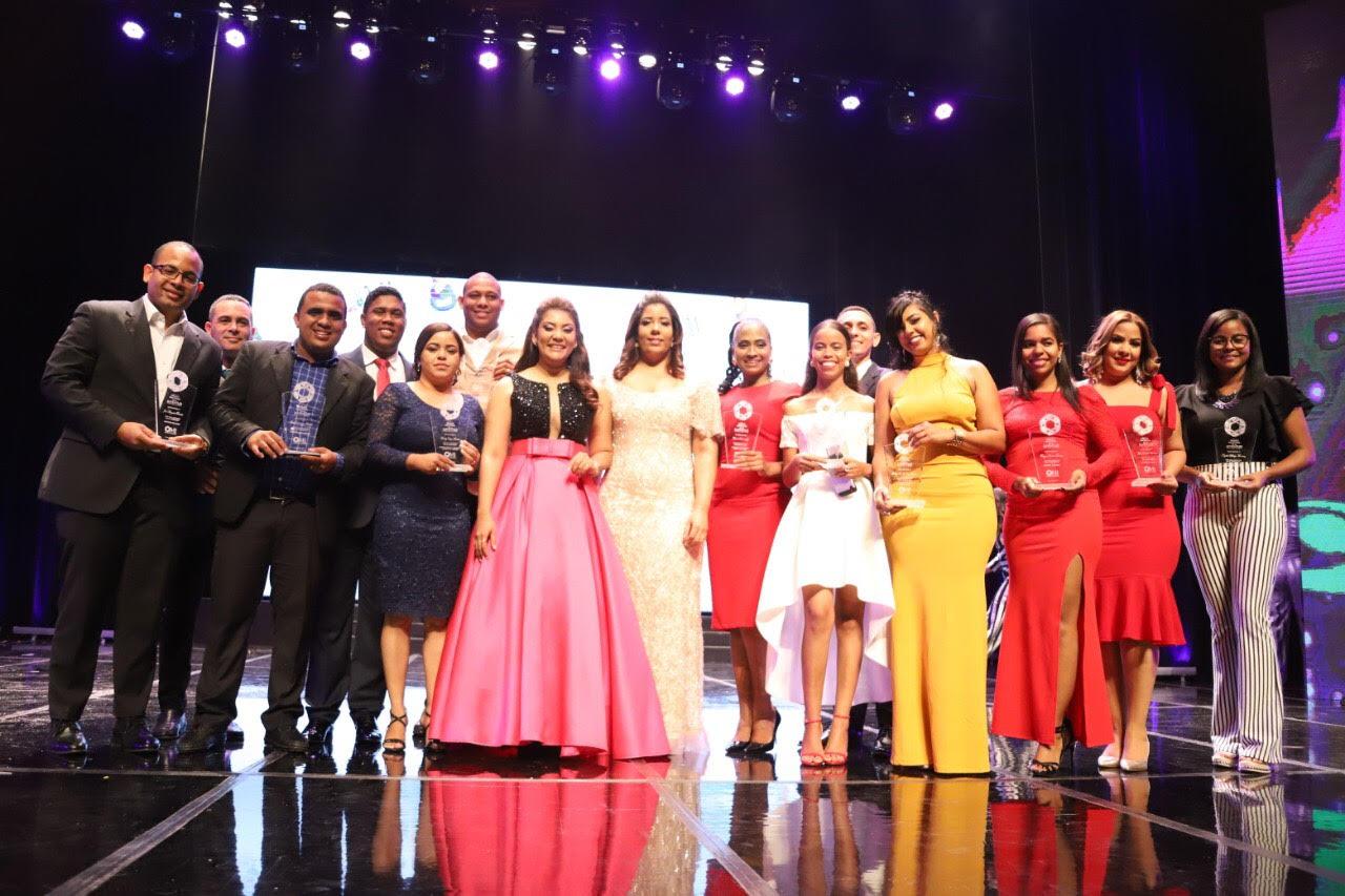 Estado dominicano, a través del Ministerio de la Juventud, reconoce a 14 jóvenes sobresalientes del país