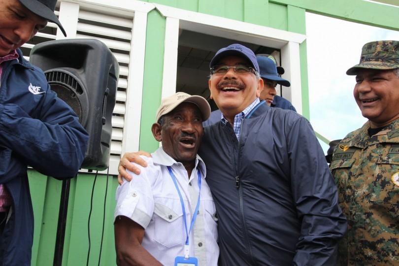 Danilo atiende necesidades habitantes de la Frontera.