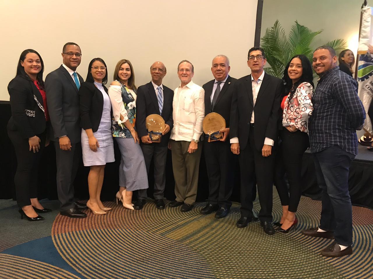 Cámara de Comercio de Puerto Plata recibe reconocimiento durante