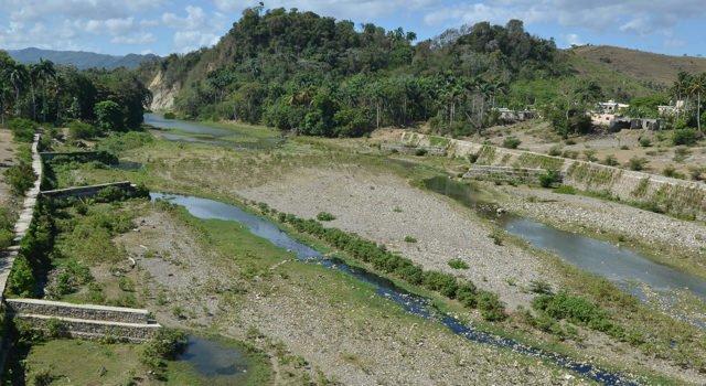 Puerto Plata: Depredación seca ríos.