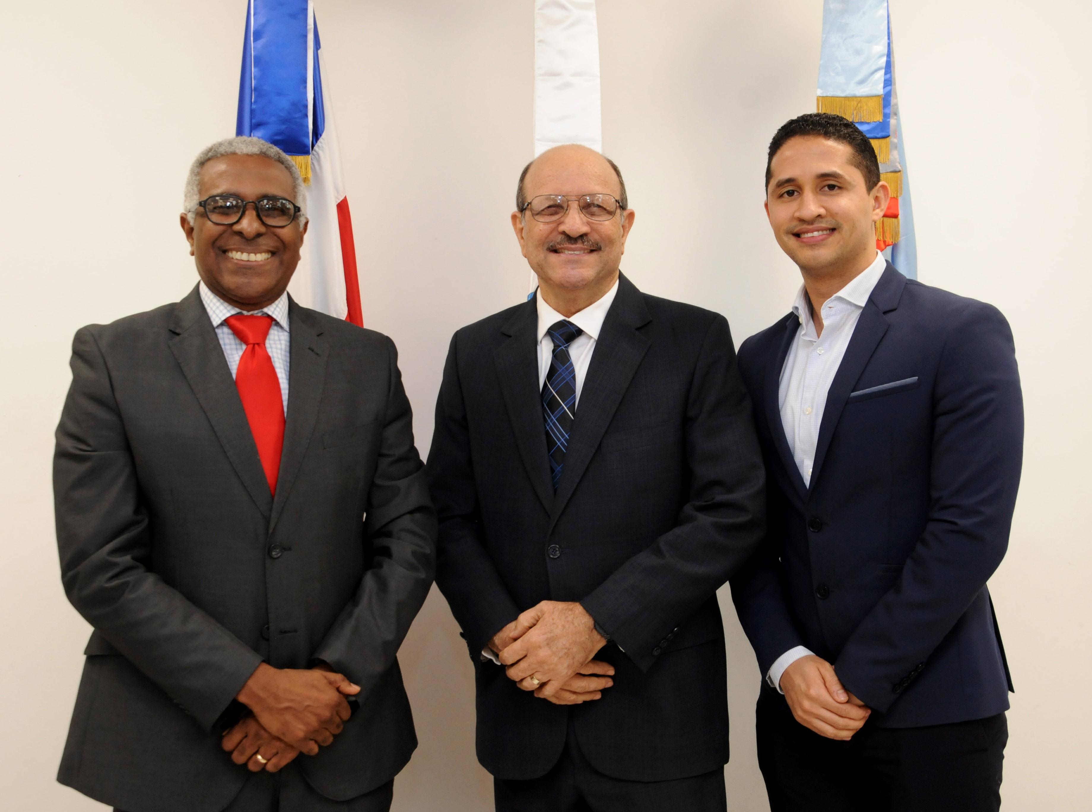 SANTO DOMINGO.- El Ministerio de Industria, Comercio y Mipymes (MICM) y el Instituto Nacional de Bienestar Estudiantil (INABIE)
