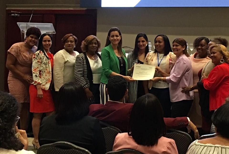 USAID reconoce al Hospital Materno Reynaldo Almánzar