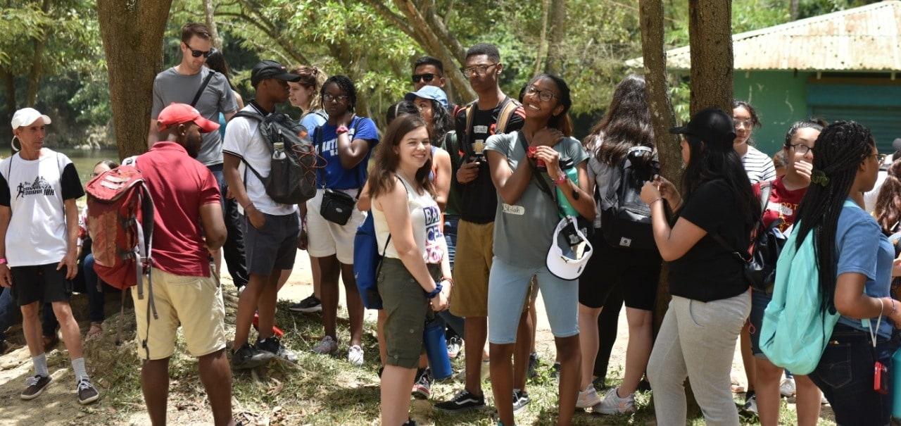 Estudiantes de Global Glimpse disfrutan de Jarabacoa