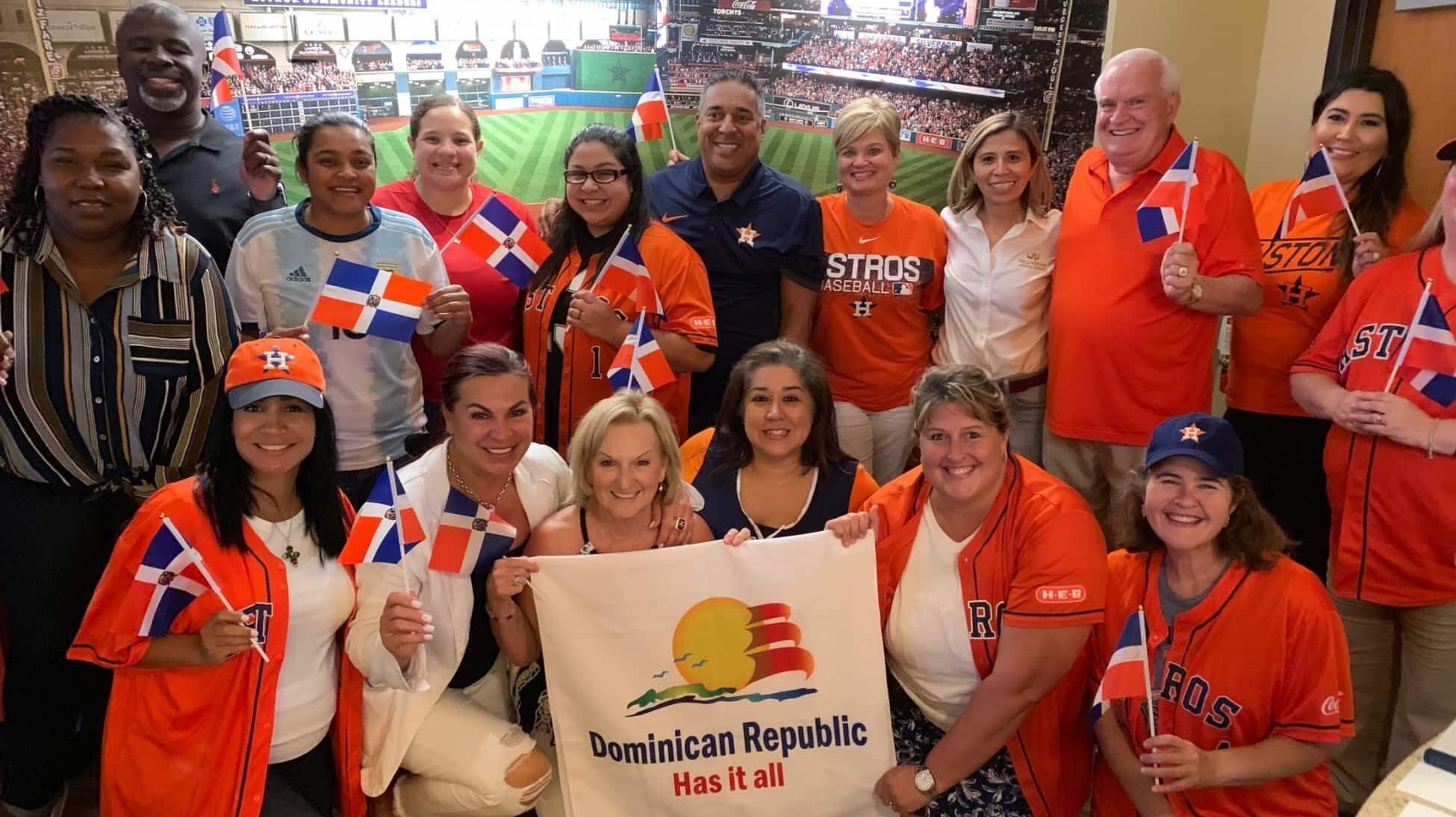 """MITUR lleva el """"Dominican Day at The Ballpark"""" a la casa de los Astros"""