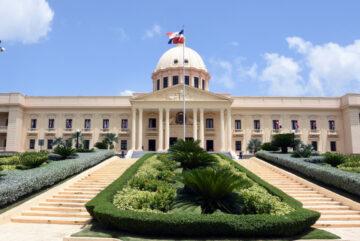 Danilo Medina designa a Karen Ricardo, directora Programas Especiales de la Presidencia