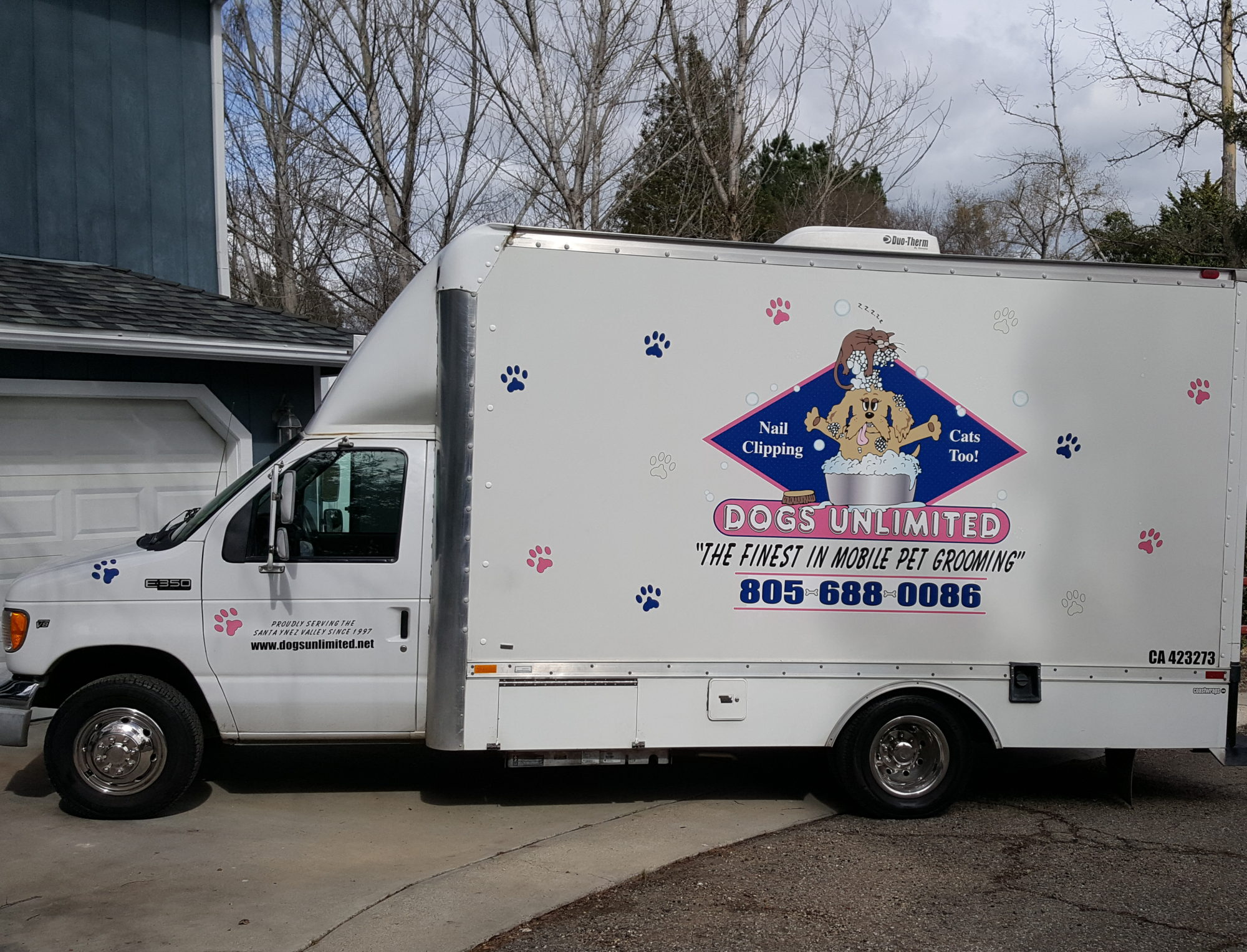 DOGS UNLIMITED MOBILE  PET GROOMING