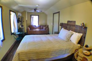 The Baltimore Mine Cabin #3 Sleeps 1-4