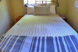 The Jenny Lind Cabin #8 Sleeps 1-4