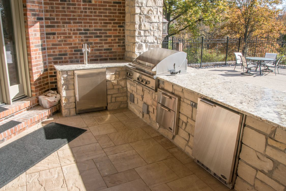 MK Custom Homes - Outside Kitchen