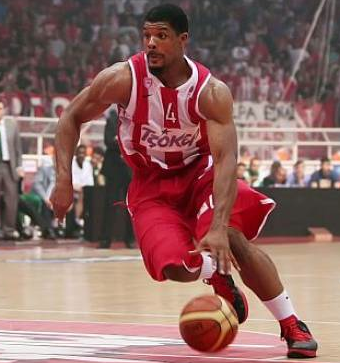 Kyle Hines, Olympiacos