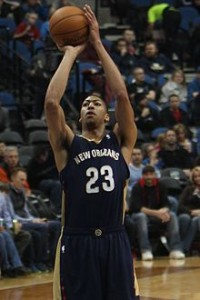 20140101_Anthony_Davis_shoots_free_throws_(2)