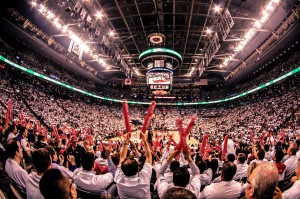 2014_Toronto_Raptors_fans_Air_Canada_Centre