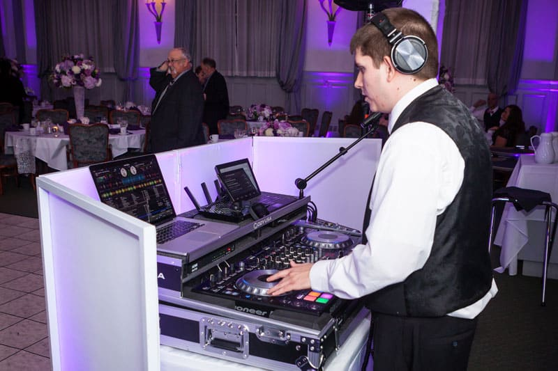 Binghamton-NY-Wedding-DJ-Sound-Selection