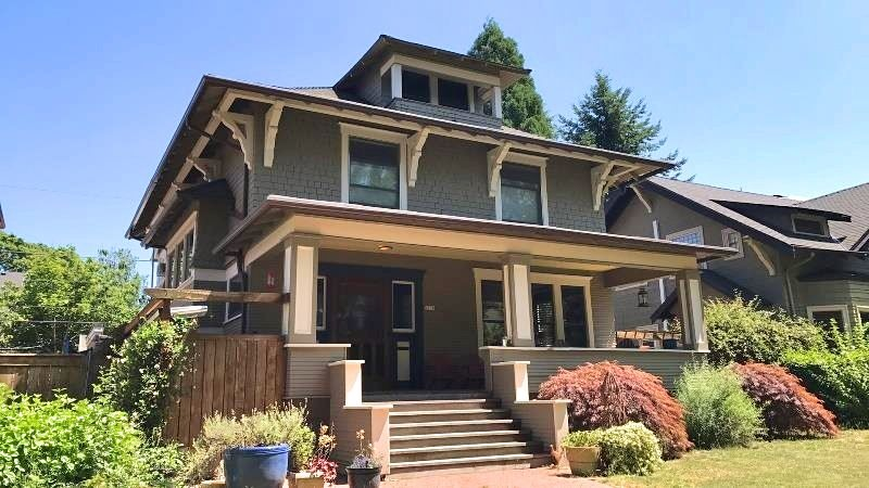 5236 NE Cleveland represents an example of the foursquare style. Built in 1908 (Source: Restore Oregon)