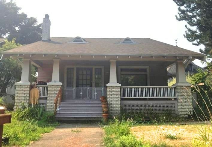 Fred Tunturi House at 5115 NE Garfield Avenue; Built in 1922,  Listed on the National Register of Historic Places (Source: Restore Oregon)