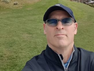 Kathleen Wynne campaign co-chair Tim Murphy is seen golfing at Pebble Beach, California in the middle of the election campaign.
