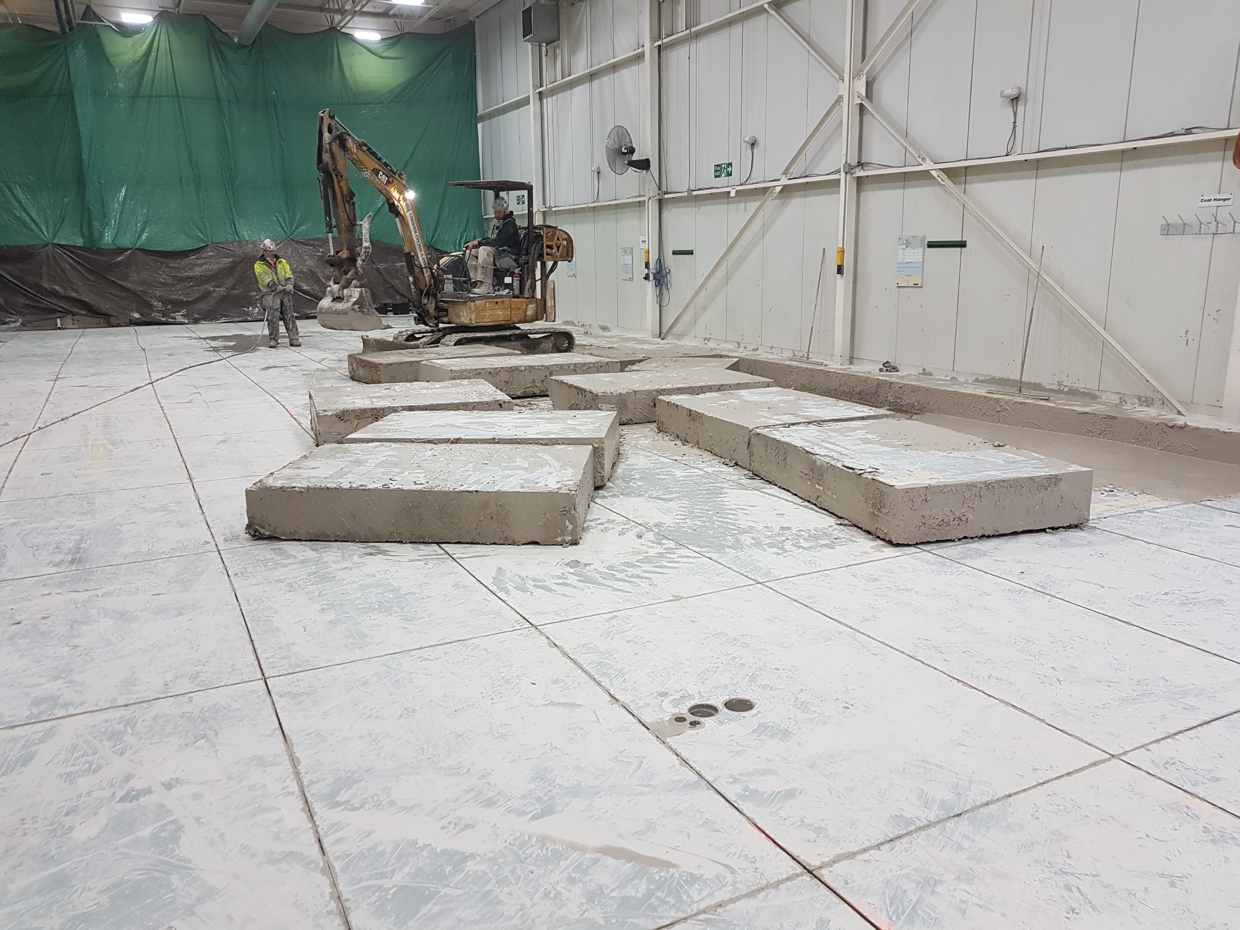 reinforced concrete machine base contractor