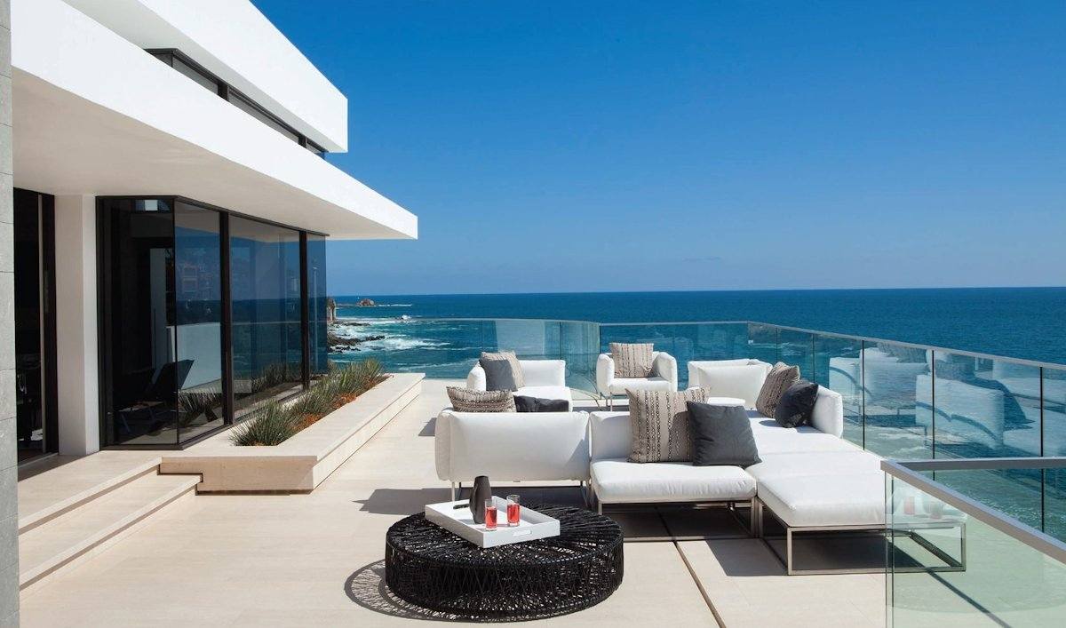 houses-with-sea-views-13