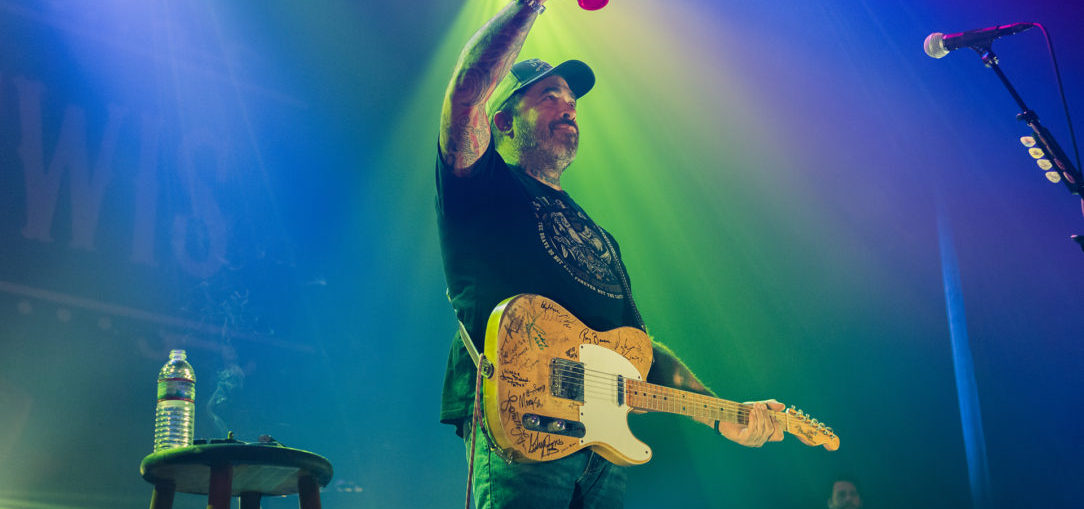 Aaron Lewis performing at The Tower Theater in Philadelphia, PA Nov. 16, 2017
