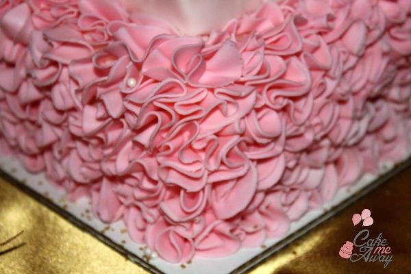 Ruffles Pink Gold Corner Cake