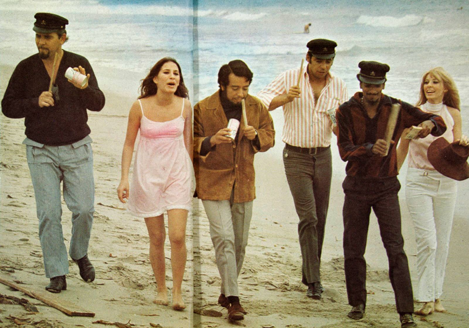PHOTO 8 - Sergio Mendes & Brasil 66 - Beach