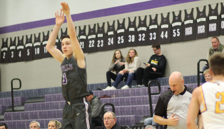 Brandon Maatz shoots a three pointer