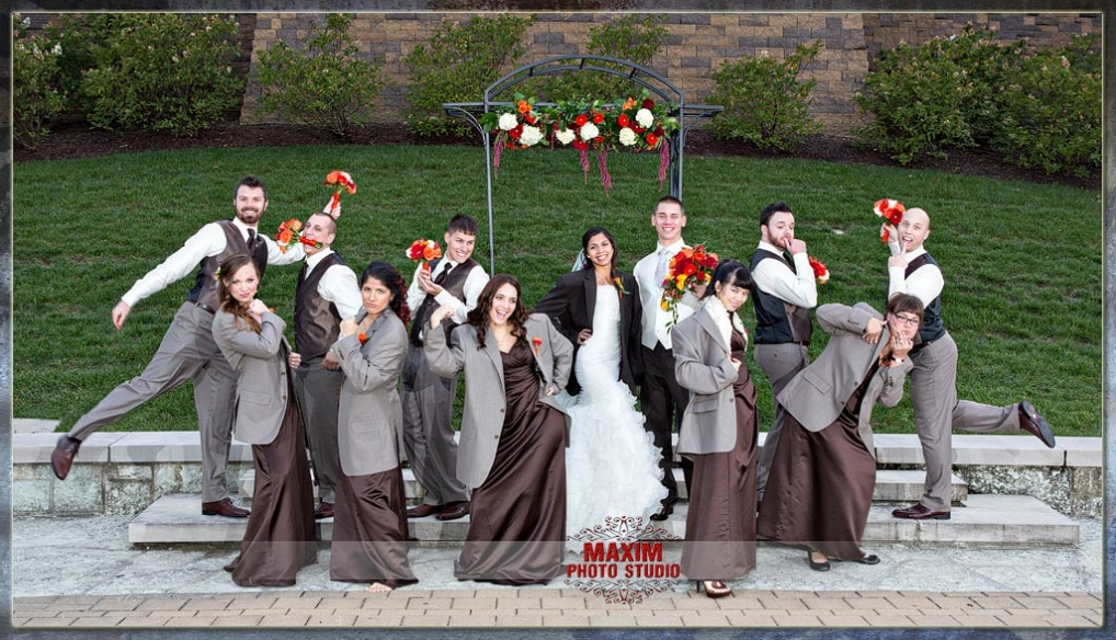 Cincinnati bridal party at Anderson Center
