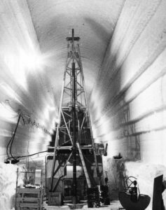 Drilling Rig, Trench 12 (Herb Ueda/American Institute of Physics)