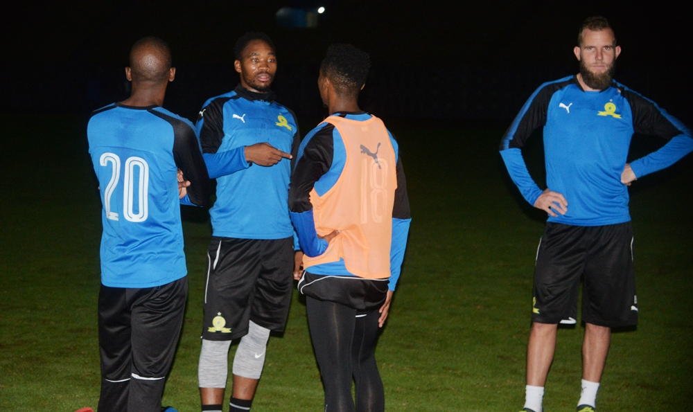 Photos: Power cut hinders the S.African team Mamelodi Sundowns from exercising