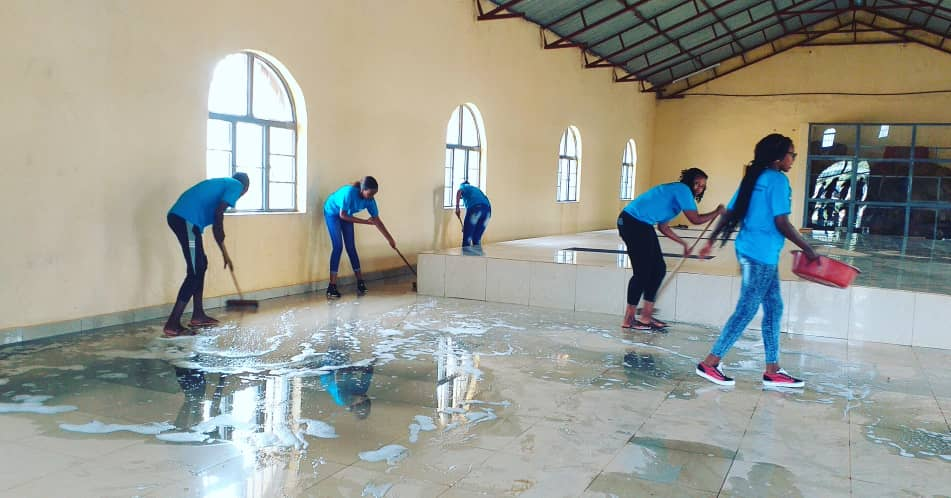 AERG-GAERG Week youth cleans the Genocide memorial inRuhanga Cell