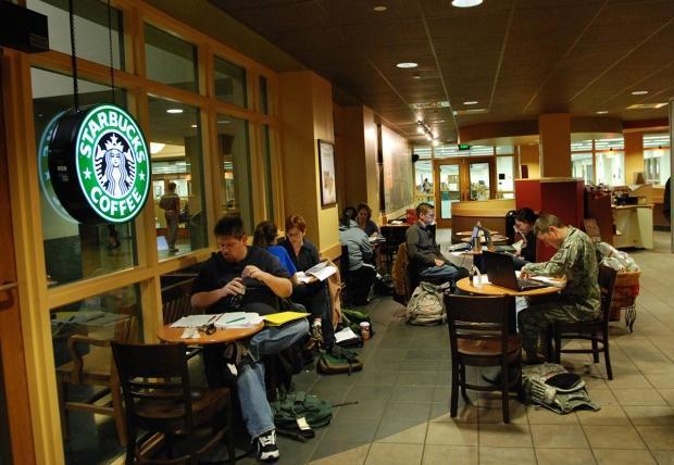 McDonald's y Starbucks bloquearán sitios porno en su wifi