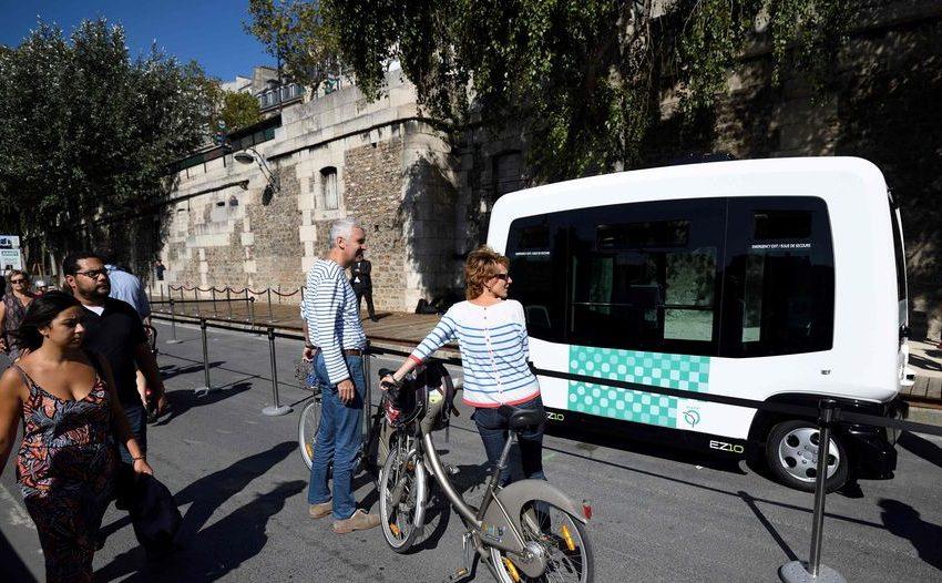 Ya en París circula un minibús sin conductor