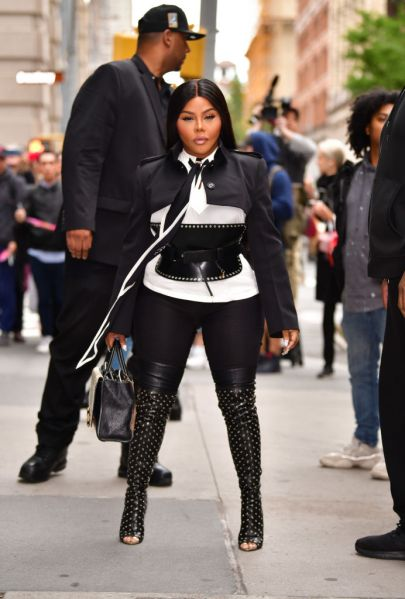 Lil' Kim Offered The Fade To A PETA Protestor [Video]