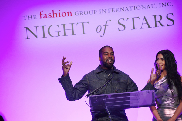Kanye West Coons For Trump Again Over Big Land Purchases, Jabs At Black Twitter