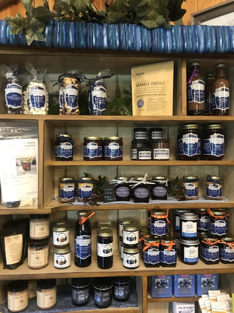 S. Kamphuis Blueberries - serving Holland & all of West Michigan with fresh or frozen blueberries & blueberry products