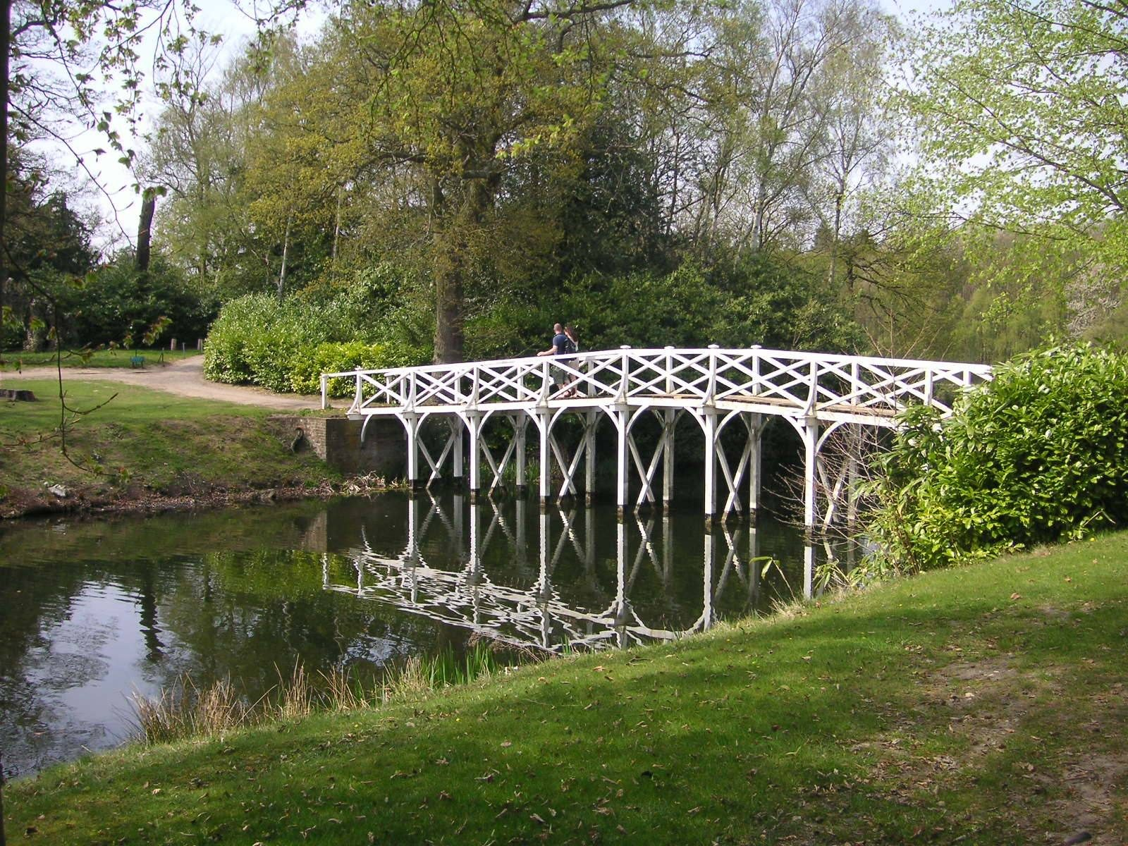 Painshill_Park_012_Chinese_Bridge