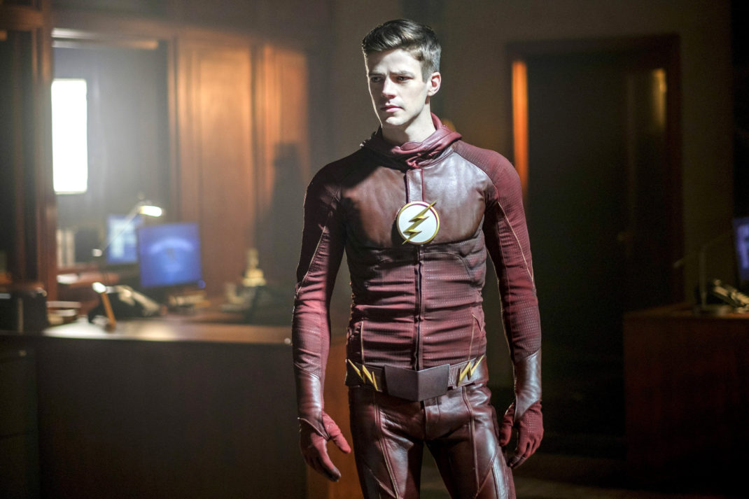 Barry Pulls Switcheroo in New Arrowverse Teaser
