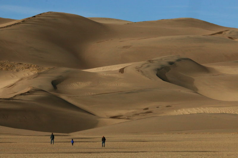 Great Sand Dunes National Park - Family walking near the dunefield