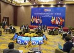 ASEAN ministers vow to cooperate on Rohingya, South China Sea issues